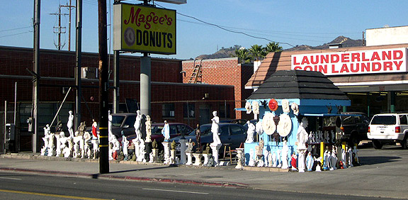 Statue Shack outside Magee's Donuts