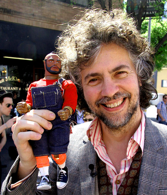 Mr. T Visitor Guide: Wayne Coyne Incident, SXSW