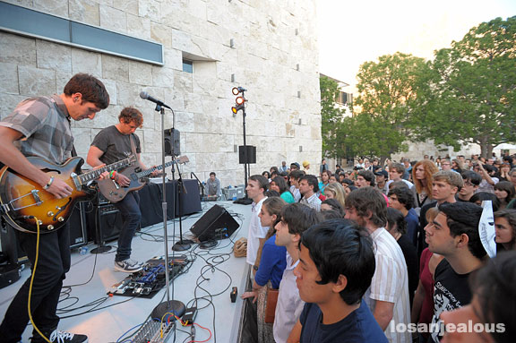 No Age at The Getty, June 27, 2008