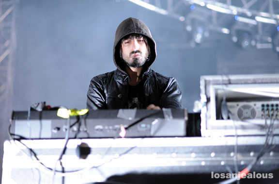 crystal_castles_06