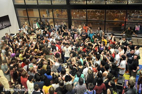 SXSW '09: Monotonix @ Ballet Austin
