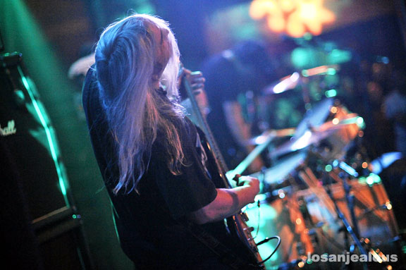 "Dinosaur Jr. Perform ""Bug"" & Henry Rollins On-stage Interview–Wed 12/14 @ Music Box–Win Tickets"