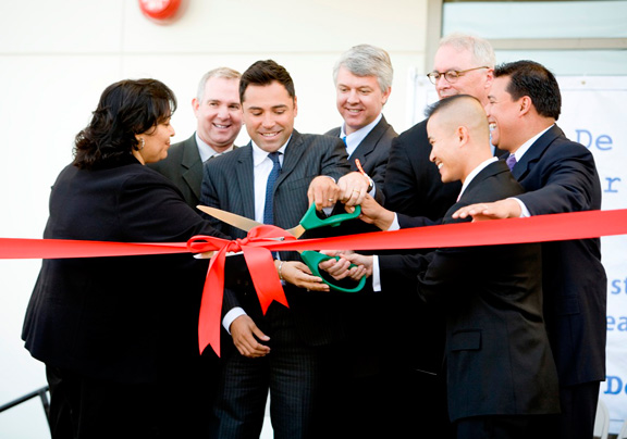 De La Hoya Cuts Ribbon on Namesake Boyle Heights Charter High School