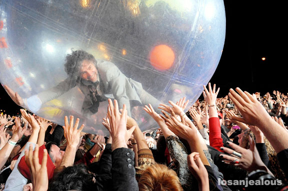 2009 Treasure Island Festival: The Flaming Lips, The Walkmen & Yo La Tengo