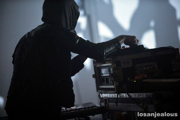 Crystal_Castles_Kia_Soul_Collective_12