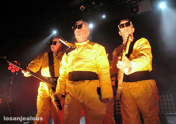 Two Hot Ones For This Saturday: Devo @ Club Nokia & Girl Talk @ Fox Theater Pomona–Win Tix