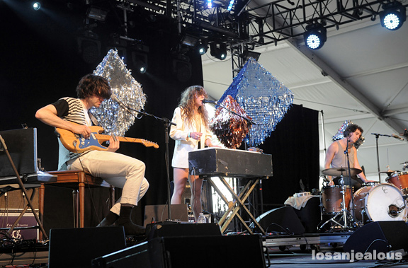 Beach_House_Coachella_2010_13