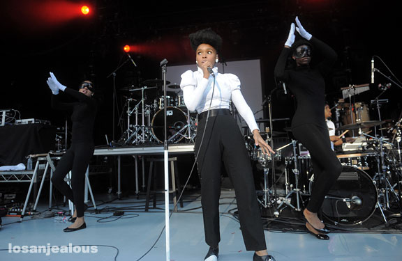 janelle_monáe _greek_theater_06-20-10_12