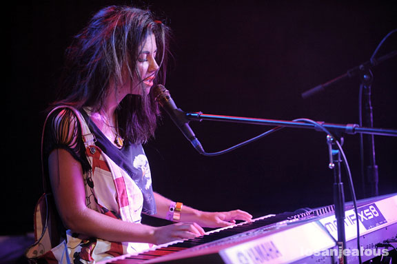 marina_and_the_diamonds_troubadour_07-07-10_06