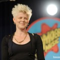 robyn_amoeba_hollywood__07-23-10_04