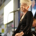 robyn_amoeba_hollywood__07-23-10_08