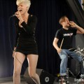 robyn_amoeba_hollywood__07-23-10_10