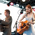 gillian_welch_and_david_rawlings_concert_for_equality_07-31-10_02