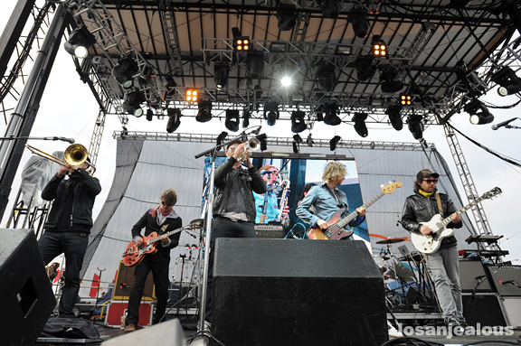 Photos: Broken Social Scene @ 2010 Treasure Island Music Festival