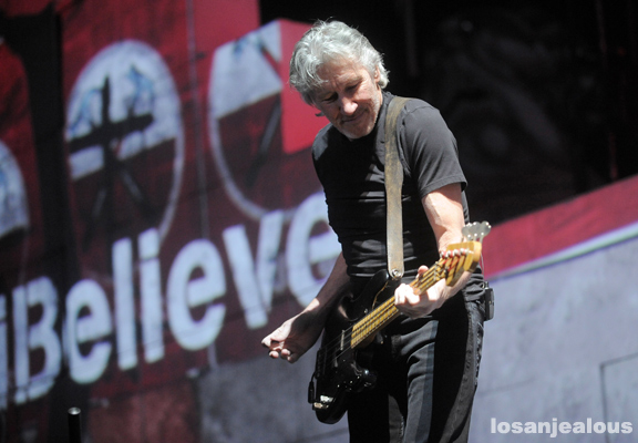 Photos: Roger Waters: The Wall Live, Staples Center, Los Angeles, November 29, 2010