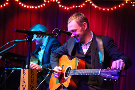 KCRW Live Set With David Gray Airs This Morning, 12/22 (Last Live MBE Set of 2010)