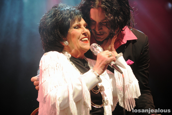 Photos: Wanda Jackson and The Third Man House Band featuring Jack White @ El Rey Theater, January 23, 2011