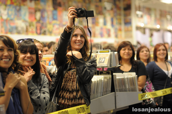 lykke_li_amoeba_hollywood_03-07-11_20