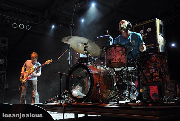 2011 Coachella Festival Photo Gallery: Lightning Bolt