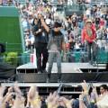 Lenny_Kravitz_Angel_Stadium_June_18_2011_01