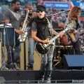 Lenny_Kravitz_Angel_Stadium_June_18_2011_09