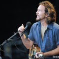 eddie_vedder_santa_barbara_bowl_07-09-11_01
