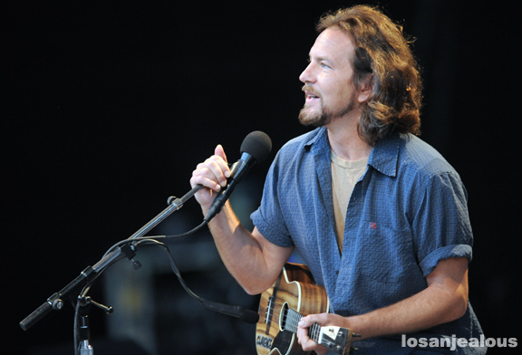 Eddie Vedder Gallery: Photos: Eddie Vedder @ Santa Barbara Bowl, July 9, 2011