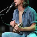 eddie_vedder_santa_barbara_bowl_07-09-11_04