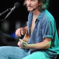 eddie_vedder_santa_barbara_bowl_07-09-11_08