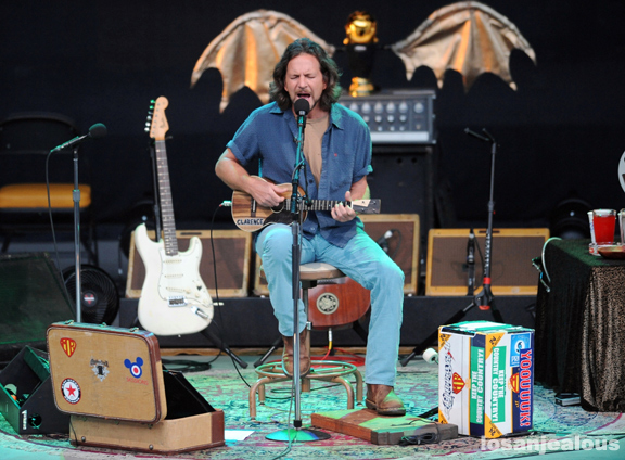 Photos: Eddie Vedder @ Santa Barbara Bowl, July 9, 2011