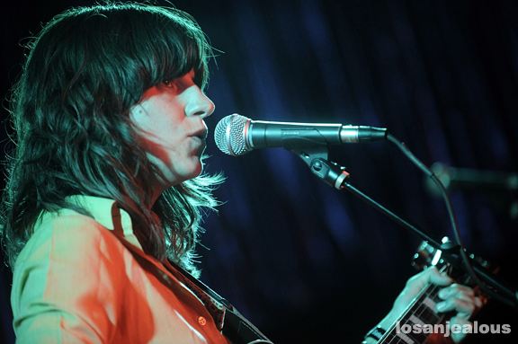 eleanor_friedberger_the_satellite_07-27-11_13