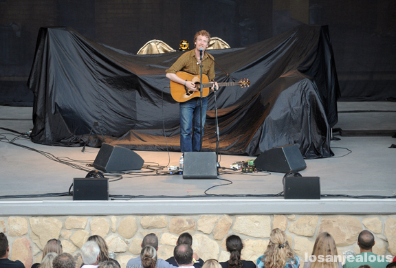 glen_hansard_santa_barbara_bowl_07-09-11_07