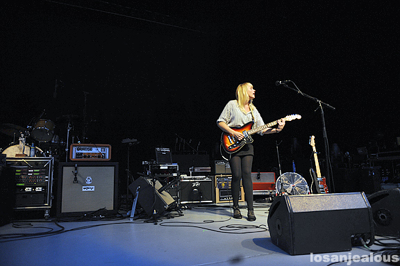 Wye_Oak_Greek_Theatre_08-12-11_11