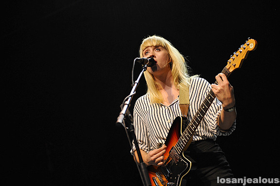 Wye_Oak_Greek_Theatre_08-12-11_20