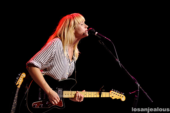 Wye_Oak_Greek_Theatre_08-12-11_21