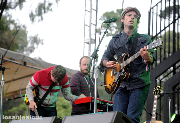 clap_your_hands_say_yeah_outside_lands_2011_14