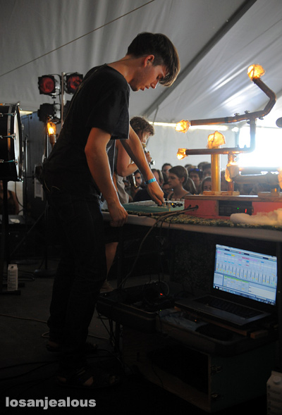Purity_Ring_2011_FYF_Fest_14