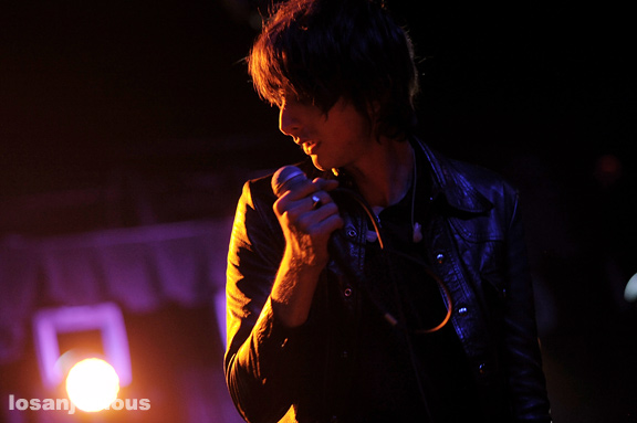 The_Horrors_El_Rey_Theatre_09-15-11_08