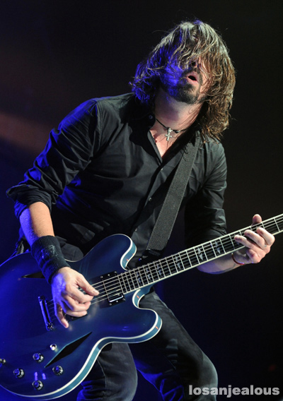 foo_fighters_the_forum_10-14-11_15