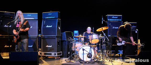 Dinosaur_Jr_Music_Box_12-14-11_17