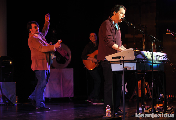 They_Might_Be_Giants_Royce_Hall_01-28-12_02