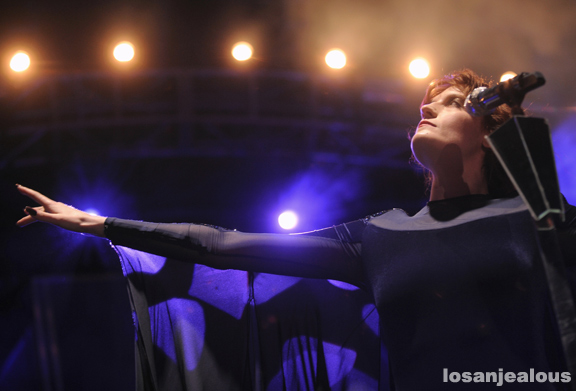 Florence_+_The_Machine_Coachella_2012_08