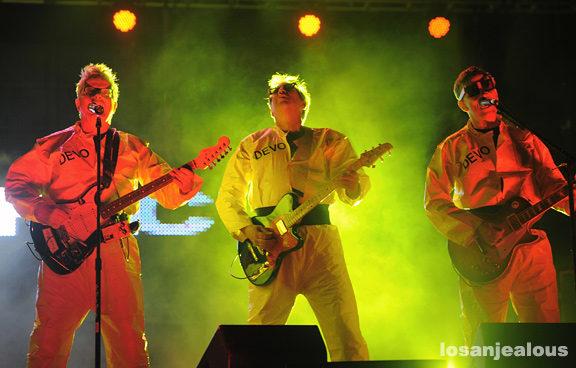 Devo_Hollywood_Park_05-12-12_06