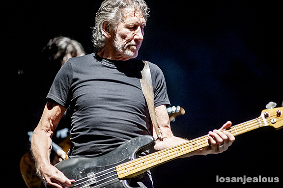 Roger_Waters_The_Wall_LA_Coliseum_10