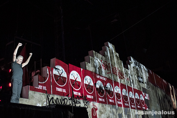 "Photos: Roger Waters ""The Wall"" Live @ Los Angeles Coliseum, May 19, 2012"
