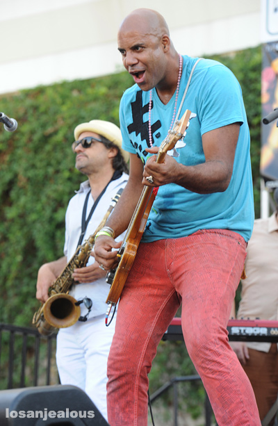 Dengue_Fever_Make_Music_Pasadena_2012_05