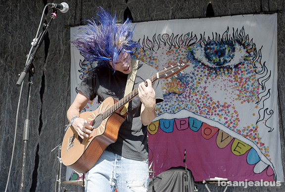 Grouplove_KJEE_Santa_Barbara_Bowl_06-01-12_10