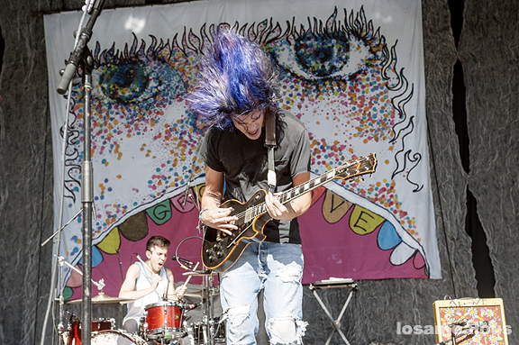 Grouplove_KJEE_Santa_Barbara_Bowl_06-01-12_15