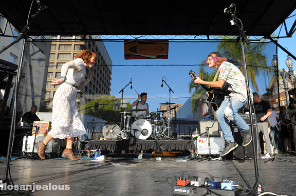 Grouplove_Make_Music_Pasadena_2012_01