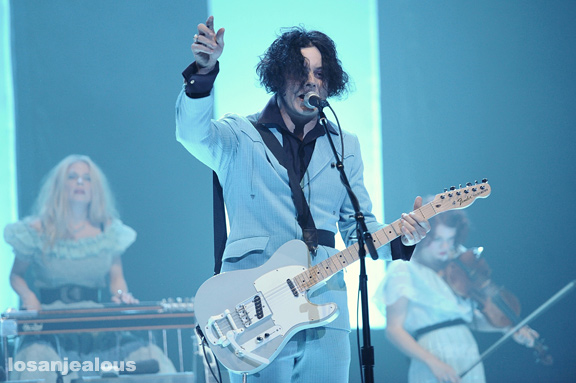 Jack_White_The_Wiltern_05-31-12_10